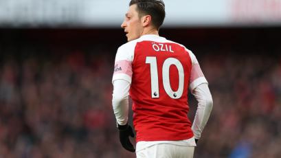 """Mesut Ozil se quedará en el Arsenal: """"Llevan dos años tratando de destruirme"""""""