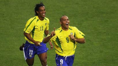 Ronaldo y el emotivo mensaje a Ronaldinho que pasará su cumpleaños en la cárcel