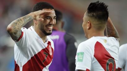 Selección Peruana: Sergio Peña marcó el 2-0 con notable remate (VIDEO)