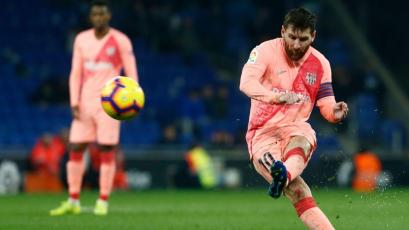 Barcelona supera a Espanyol con un Messi estelar