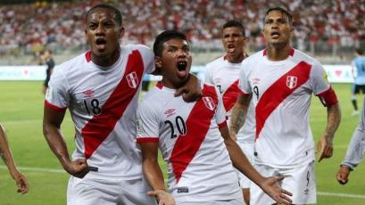 Selección Peruana: Edison Flores y Renato Tapia ya lucen la nueva camiseta