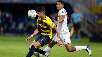 Wilder Cartagena habría firmado por 18 meses con Rosario Central de Argentina