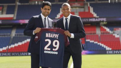 Kylian Mbappe fue presentado oficialmente por PSG