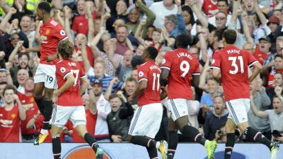 Es líder absoluto: Manchester United venció a Leicester con dos goles de 'banquillo'
