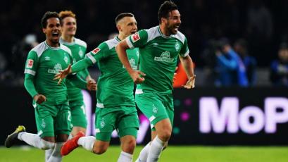 Con Claudio Pizarro, Werder Bremen superó 4-2 al Schalke 04