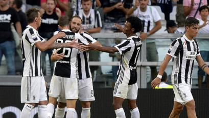 Juventus goleó 3-0 al Cagliari en el inicio de la Serie A
