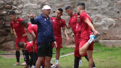 Copa Sudamericana: FBC Melgar viajó a Bolivia para medirse contra Nacional de Potosí (VIDEO)