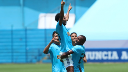 """Carlos Lobatón: """"El equipo tuvo tranquilidad para llegar al arco rival"""""""