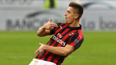 Milan golea al Cagliari y se mantiene en 'Zona Champions'