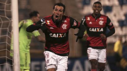 Una mano para avanzar: Flamengo goleó en Chile por la Copa Sudamericana (2-5)
