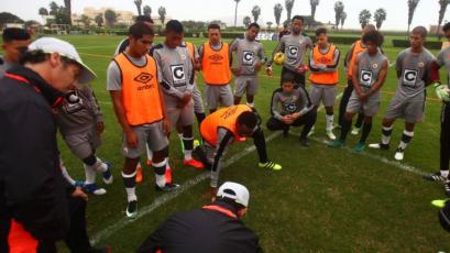 Las novedades del once inicial de Universitario para enfrentar a Alianza Atlético