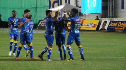 Delfín vence a Nacional de Paraguay en el primer partido de la Copa Libertadores
