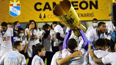 Copa Bicentenario: todo lo que no viste de la celebración de Sporting Cristal (VIDEO)