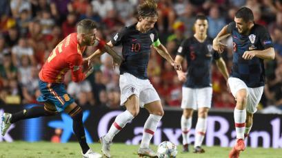 Croacia superó 3-2 a España sobre el final