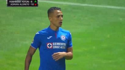 Yoshimar Yotún debutó oficialmente en Cruz Azul