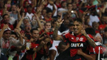 Paolo Guerrero y Miguel Trauco vieron acción en la derrota del Flamengo