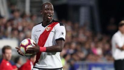 Rayo Vallecano, con Luis Advíncula, cayó 2-0 en su visita al Betis