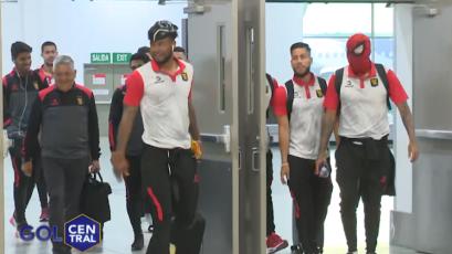 FBC Melgar: jugadores enmascarados llegaron a Lima para enfrentar a Sport Boys (VIDEO)