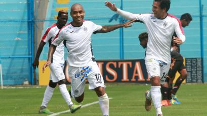 La Universidad San Martín goleó 4-0 a Ayacucho FC