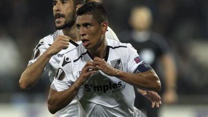 Paolo Hurtado y Vitoria abren la jornada en el fútbol de Portugal
