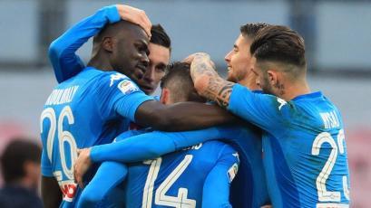 Napoli sigue firme en el liderato