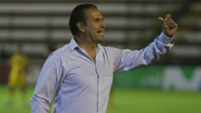 Carlos Silvestri seguirá siendo el entrenador de Cantolao