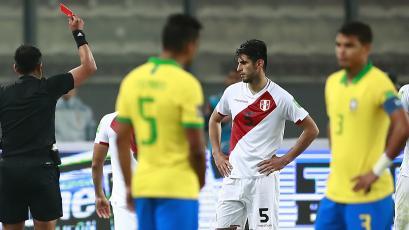 Selección Peruana: Carlos Zambrano fue suspendido tres fechas y Carlos Cáceda una
