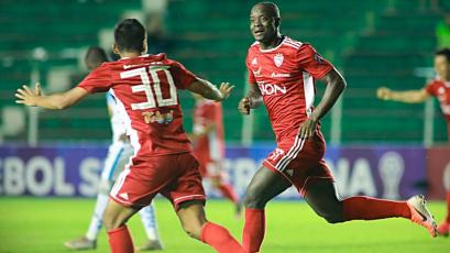 Royal Pari de Roberto Mosquera superó 1-0 a Macará de Ecuador