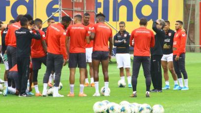 Selección Peruana mayor y Sub-23 entrenaron a la par pensando en sus respectivos amistosos (FOTOS)