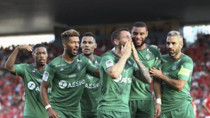 Saint-Étienne volvió al triunfo frente a Nimes