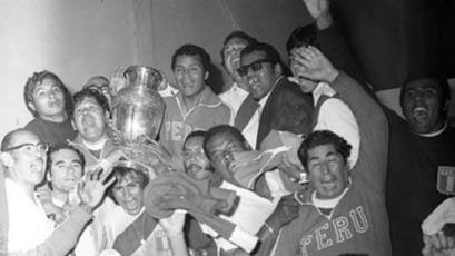 Hugo Sotil y el día que se escapó del Barcelona para ganar la Copa América de 1975 (VIDEO)