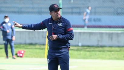 """Juan Reynoso fue presentado en Cruz Azul: """"De corazón, agradecido por esta oportunidad"""