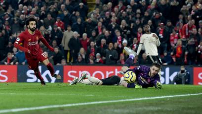 Liverpool superó al Manchester United y extendió su ventaja en la Premier League