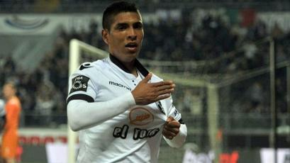 Paolo Hurtado fue convocado por el Vitoria para la fecha en Portugal