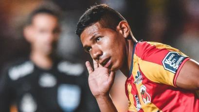 Edison Flores podría continuar su carrera en la MLS