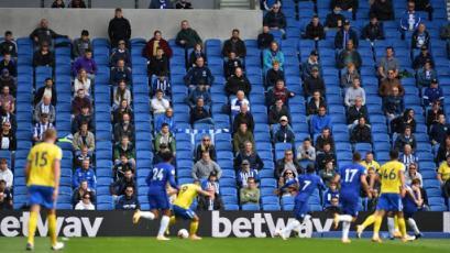 Inglaterra: vuelve el público a los estadios de manera experimental
