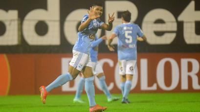 Copa Bicentenario: Percy Liza anotó extraordinario golazo que dejó estático a Manuel Heredia (VIDEO)