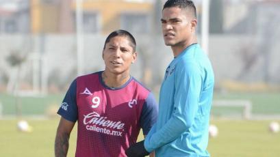 Raúl Ruidíaz y Andy Polo tuvieron acción en amistoso del Morelia