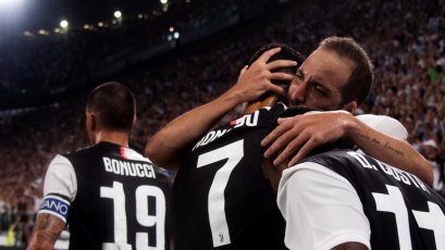 Juventus superó 4-3 al Napoli con goles de Cristiano e Higuaín