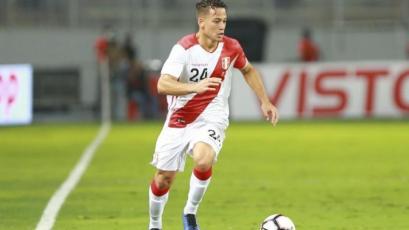 Cristian Benavente casi convierte el primero ante Colombia en su vuelta a la Selección Peruana