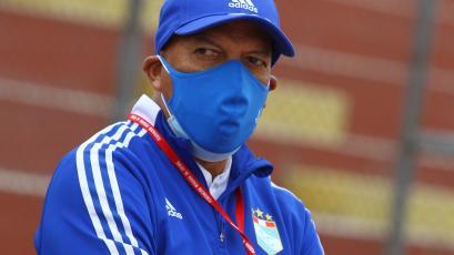 """Roberto Mosquera: """"La partida de Emanuel Herrera nos marcó, hemos tenido que cambiar nuestra forma de juego"""" (VIDEO)"""