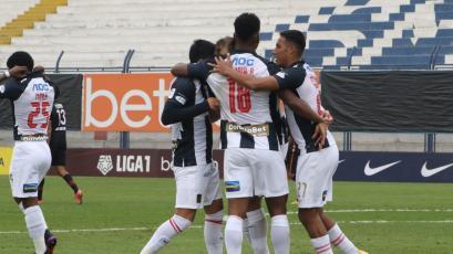Liga1 Betsson: Alianza Lima goleó 4-1 a Ayacucho FC con tres asistencias de Hernán Barcos (VIDEO)