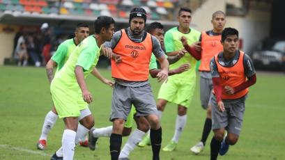 Universitario de Deportes sostuvo partido amistoso con The Strongest de Bolivia
