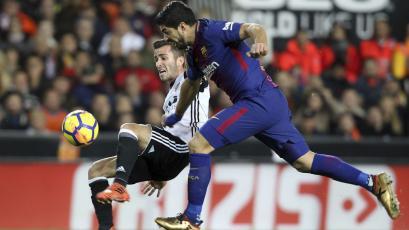 Barcelona iguala con Valencia y mantiene ventaja en La Liga