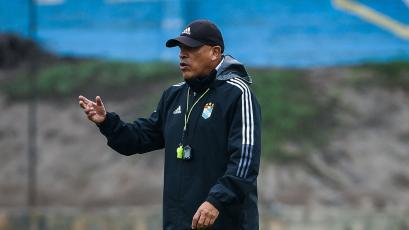 "Roberto Mosquera: ""Marcos Riquelme está piña, ayer se volvió a lastimar"""