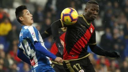 Luis Advíncula no pudo evitar la caída del Rayo Vallecano ante Espanyol