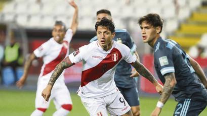 """Gianluca Lapadula: """"Fue muy lindo jugar mi primer partido con la Selección Peruana"""" (VIDEO)"""