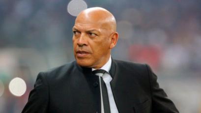 Roberto Mosquera dejó de ser técnico del Royal Pari