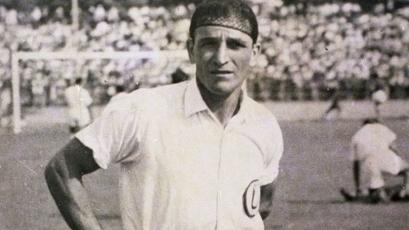 Universitario:  Lolo Fernández, el cañonero del fútbol peruano cumpliría 107 años