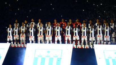 Alianza Lima presentó su plantel en la 'Noche Blanquiazul' y quedó listo para el debut (VIDEO)
